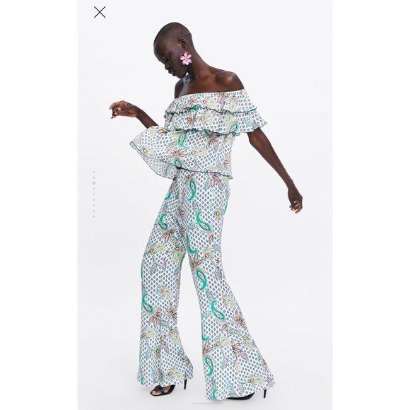Zara Tops - NWT! Zara Printer Ruffled Top - Size Small